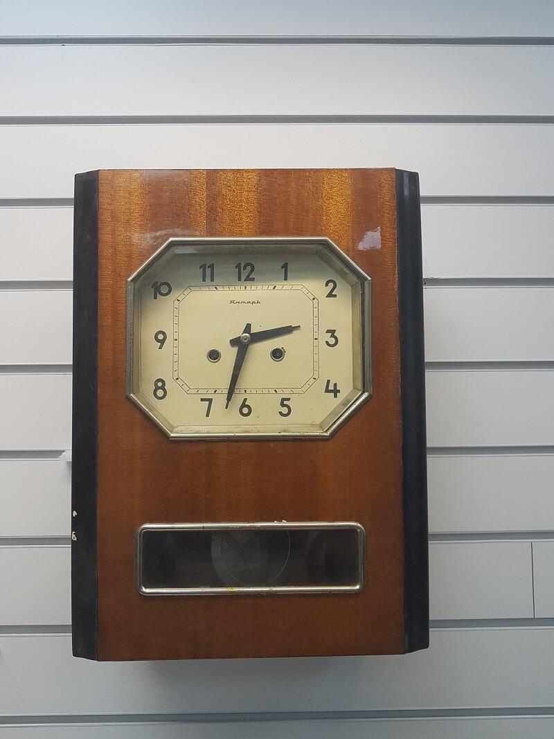 Часы настенные продам янтарь стоимость одного часа парковка внуково